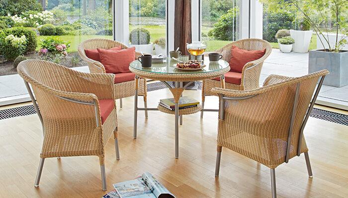 loom tische aus hochwertigem rattan mit glasplatte garpa. Black Bedroom Furniture Sets. Home Design Ideas