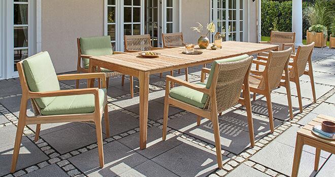 Gartenmöbel aus Teak, Edelstahl und Geflecht - Garpa